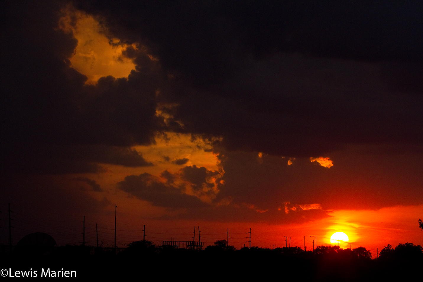 The sun sets along Fremont Street in Galesburg, Ill., on Oct. 8.