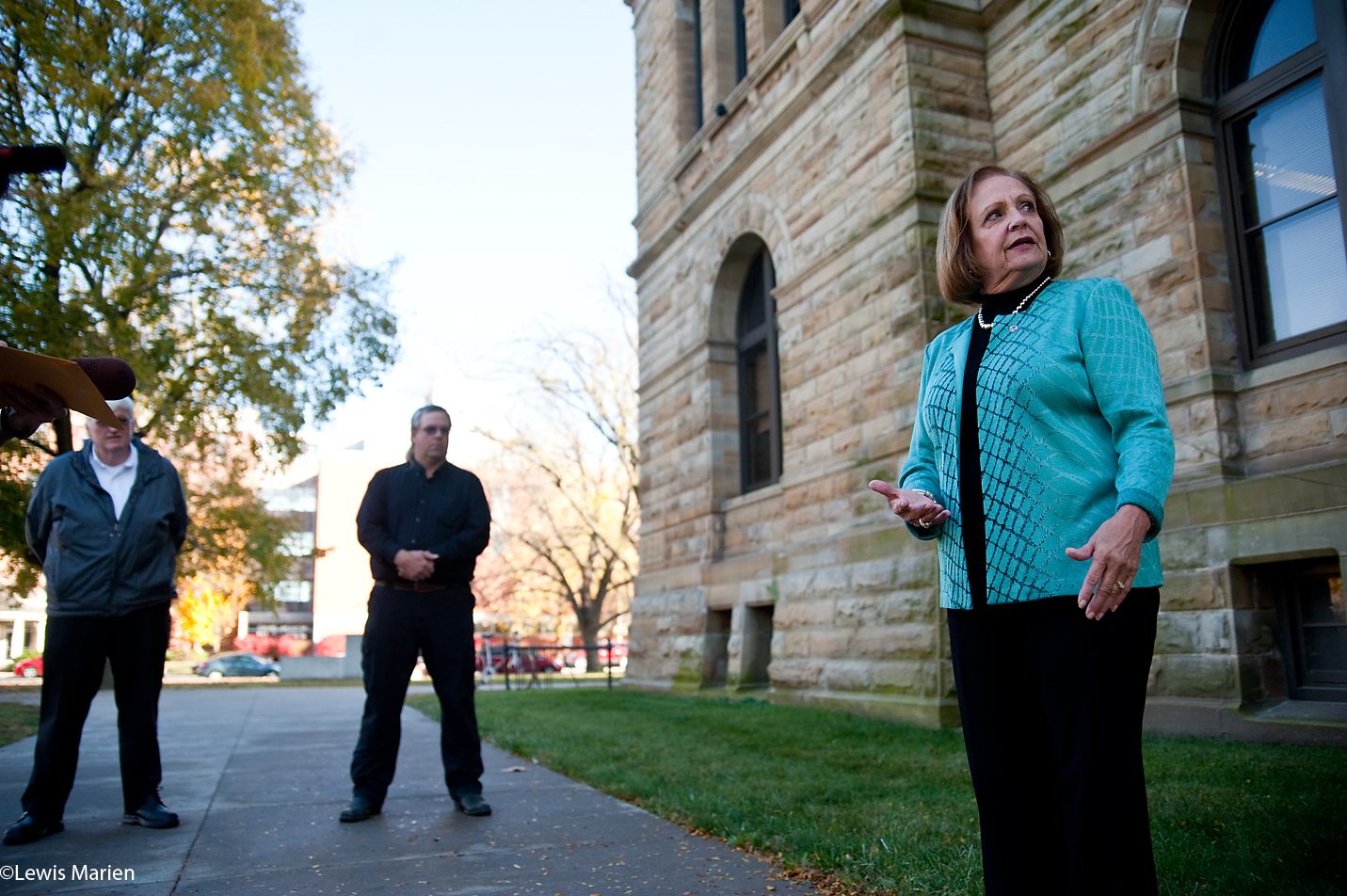 Rep. Norine Hammond, R-Macomb, announces her re-election campaign to local media and supporters Nov. 4 at the Knox County Courthouse in Galesburg, Ill.