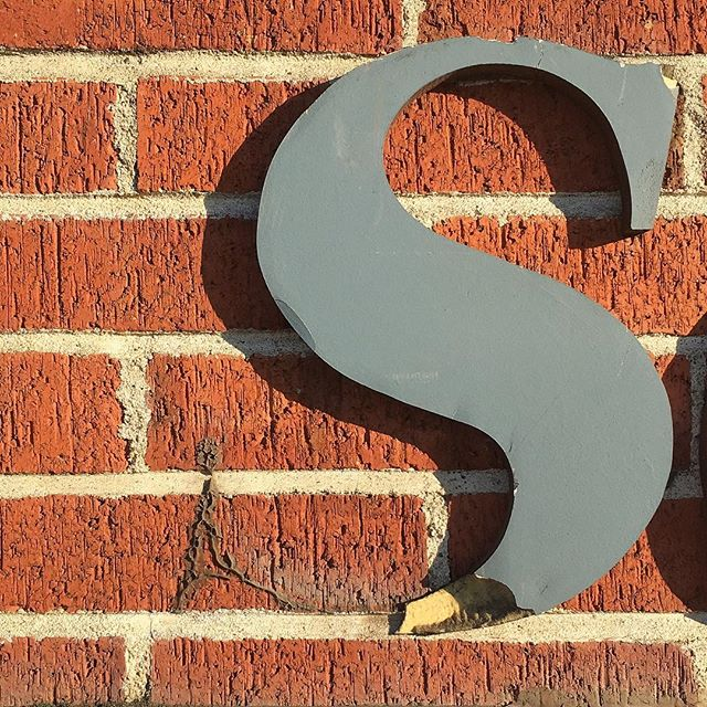 Serif–sans a serif