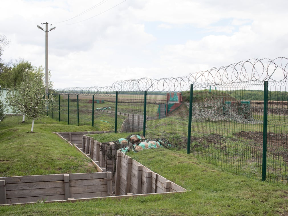 Boundary between Ukraine and Russia, near Zhuravlevka, 2017  In 2014, after the beginning of the conflict with the Russian-backed separatists, Ukraine announced that it would build a wall on the border   Photograph: Michele Borzoni/TerraProject