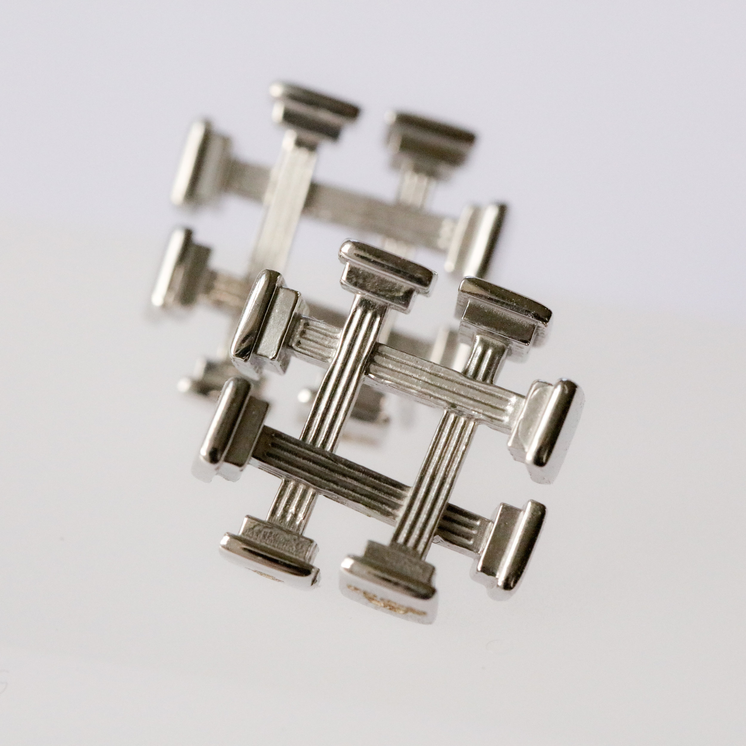Ruin Earrings in 18ct white gold