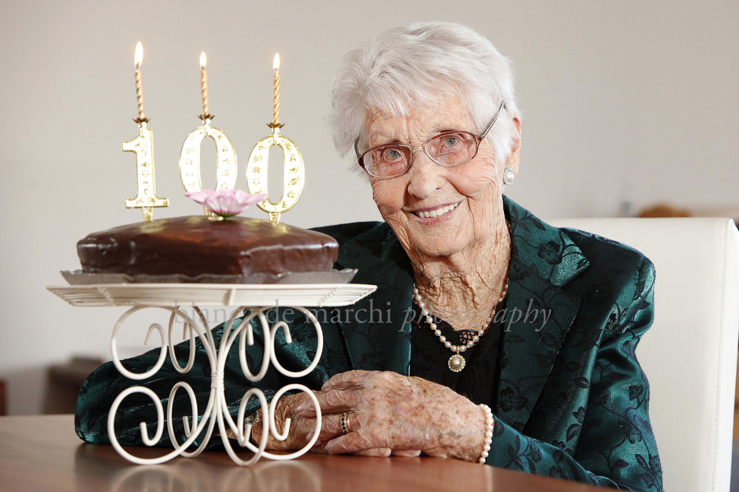 CHP_Export_124108104_Agnes ÒBillieÓ Graetz of Netherby is turning 100 today %5BPIC%5D Billie celebrates.jpg