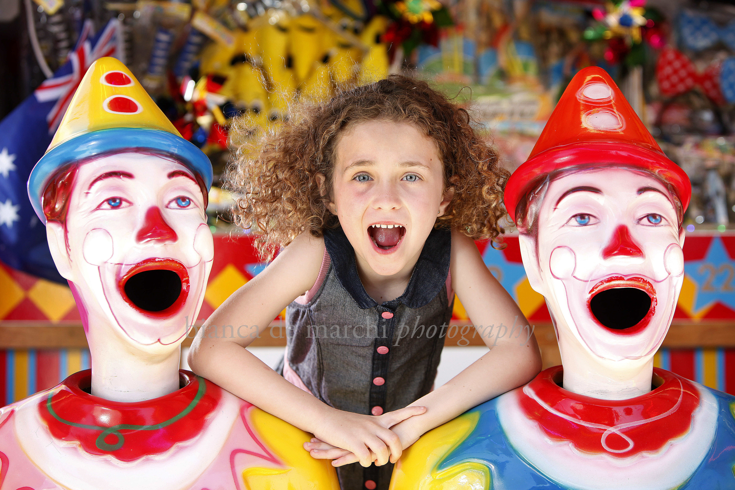 CHP_Export_124834406_Jaeda Prosser 6yrs- mum mandy mallon 0414662151 clowns around at the 2015 Royal.jpg
