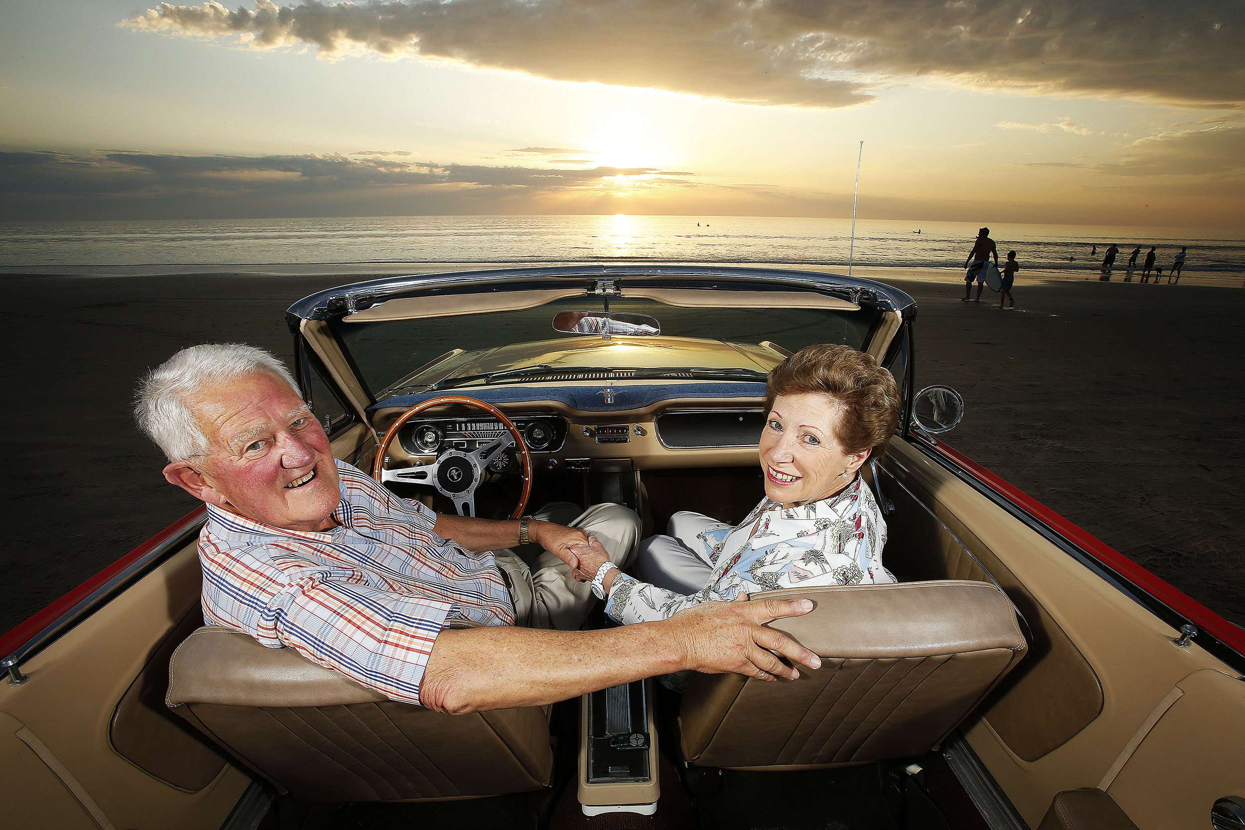 CHP_Export_126424022_Rick Medlyn & his partner Christine Burgess  enjoy a warm spring sunset with th.jpg