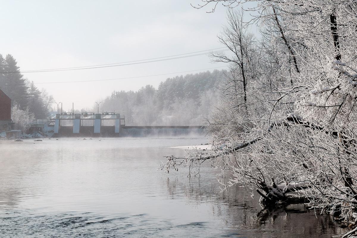 Sur le bord de la rivière Magog