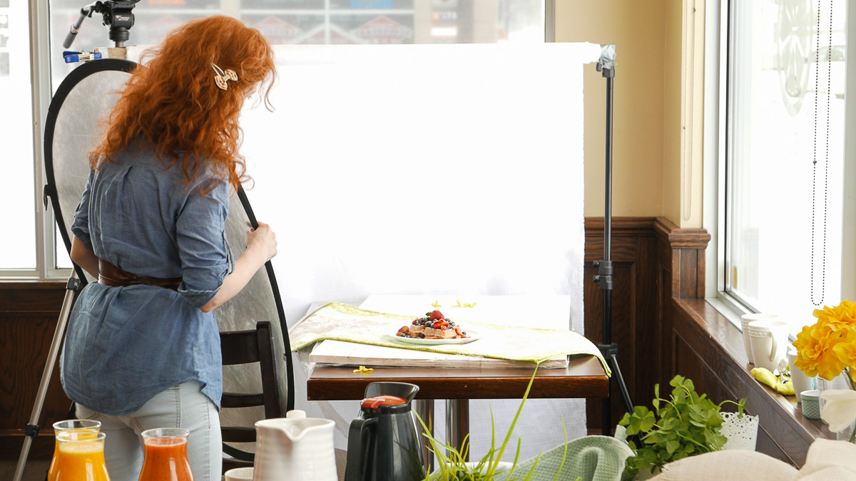 Behind the scenes at a food photography session for l'Eggsquis (