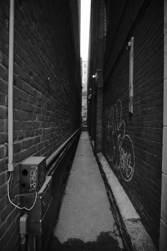 Interesting alley. Missing a real subject.