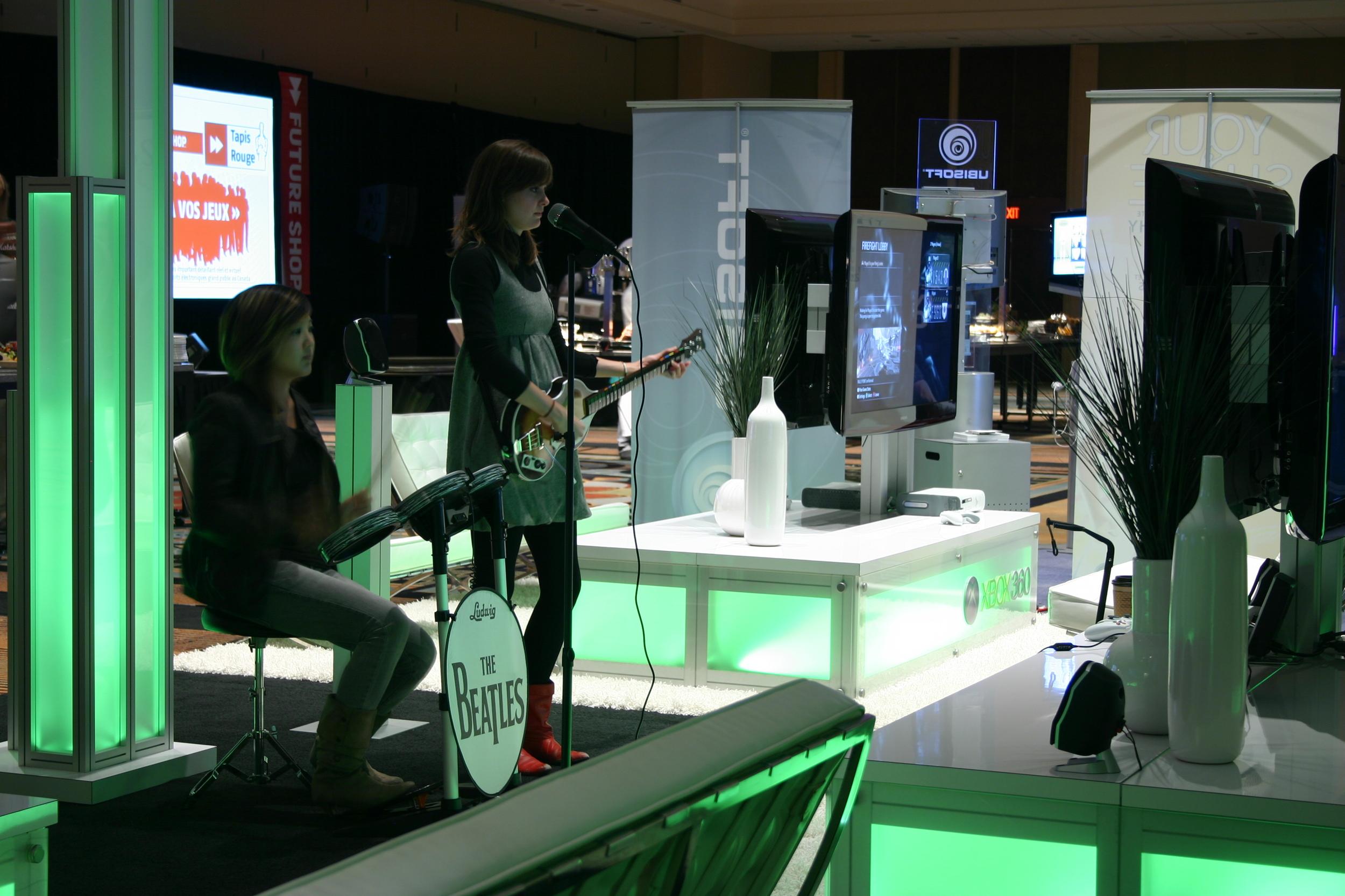 Microsoft - Future Shop Red Carpet Gaming Night 2009 - 20x40 (17).JPG