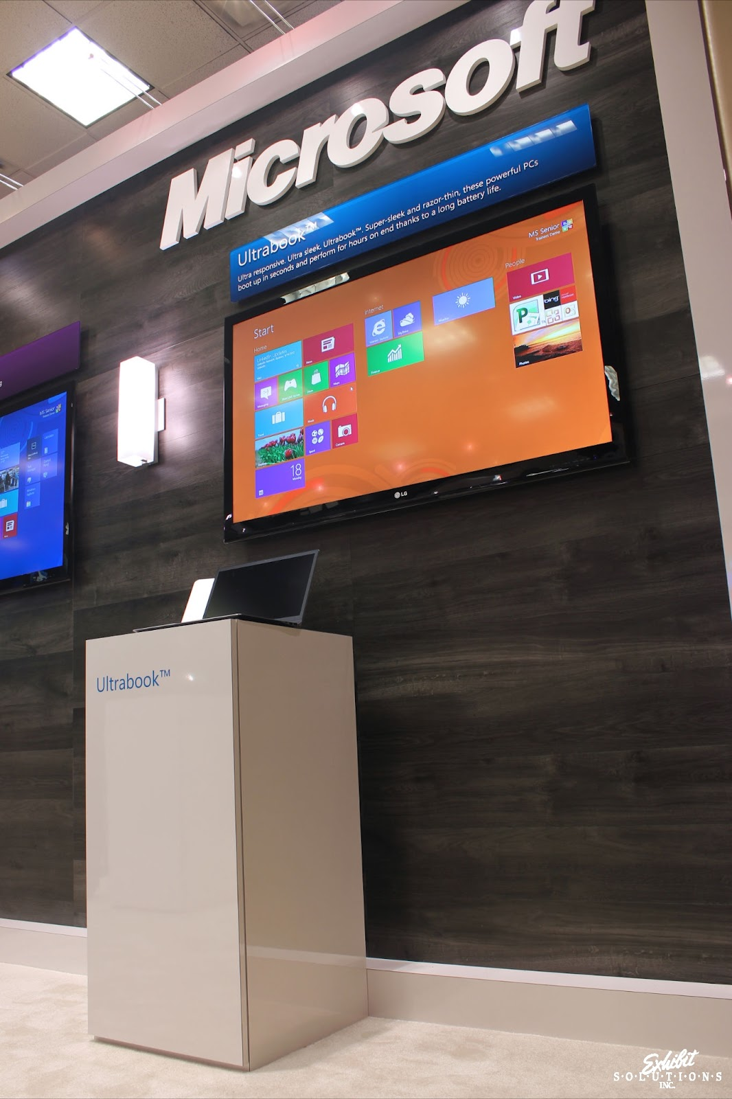 Exhibit Solutions - Microsoft - Future Shop Home Office Show 2012 - 07.JPG