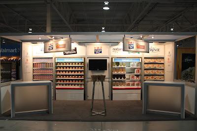 Maple+Leaf+-+Walmart+Vendor+Fair+2011+-+10x20+(2).JPG