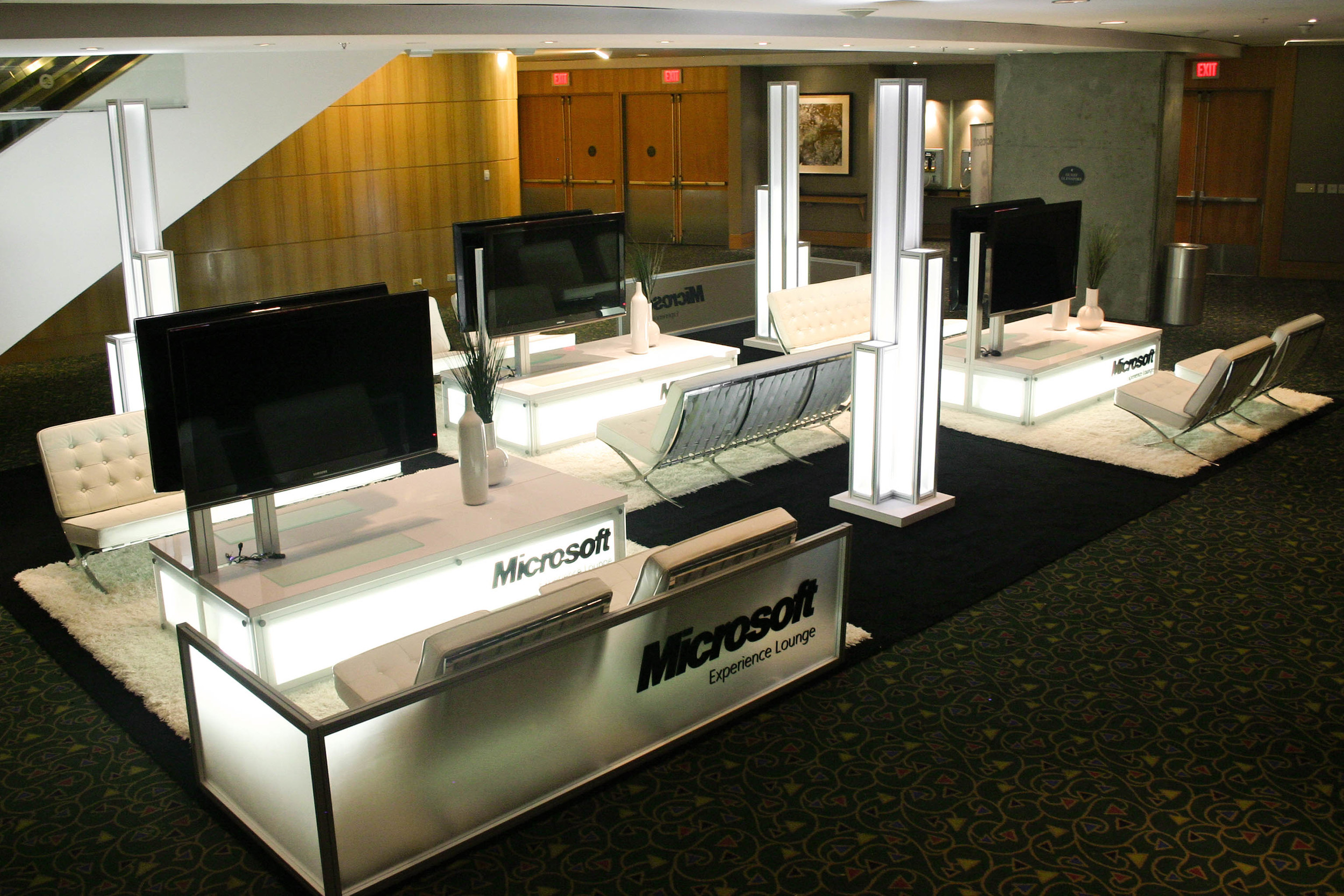 Built with modular Octanorm exhibit material, the Microsoft Lounge is scalable and flexible for any event or booth size
