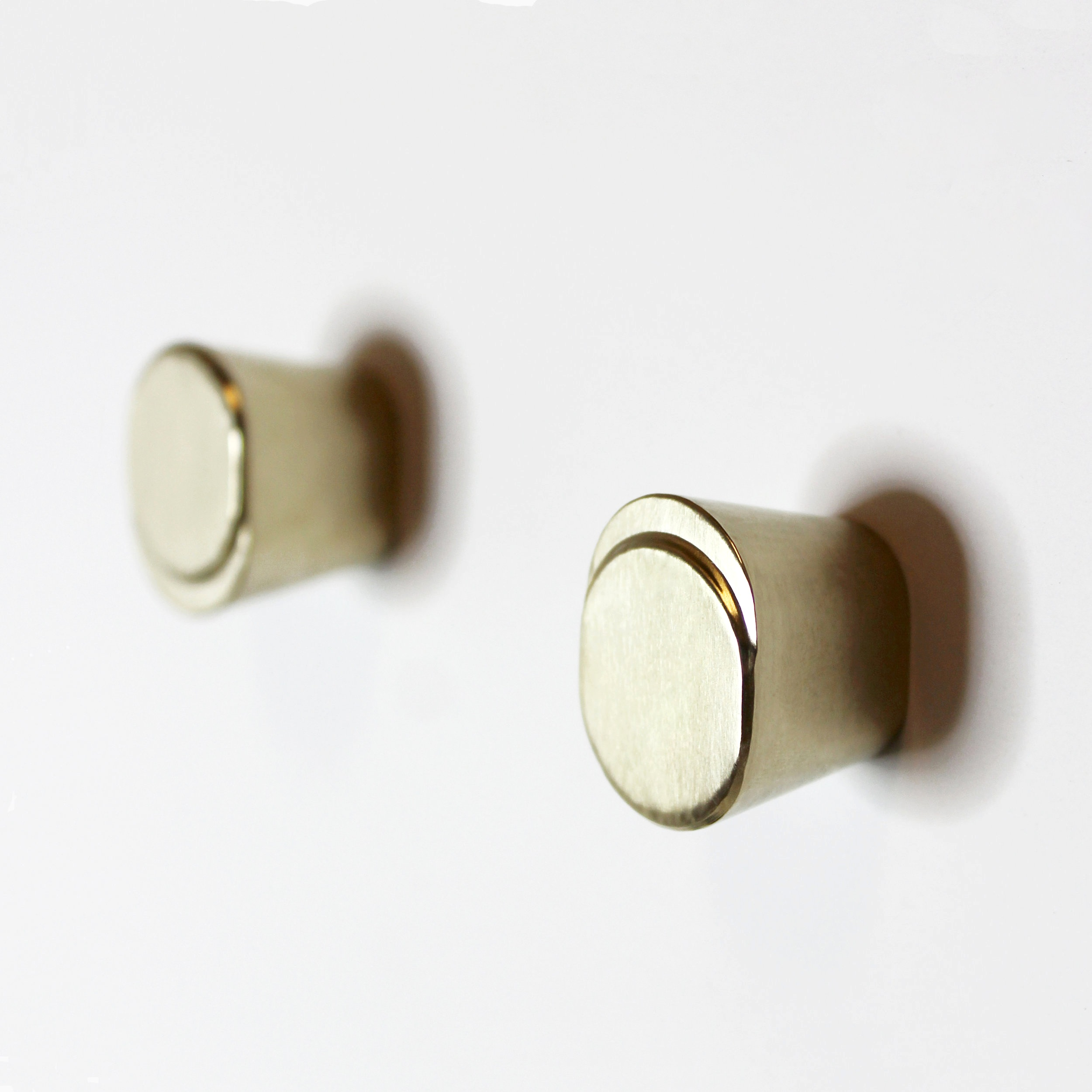 Eclipse+Knob+-+Brass+Lustre+Finish+2.jpg