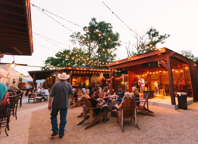 Voted Best Bar In New Braunfels Tx Outdoor Indoor