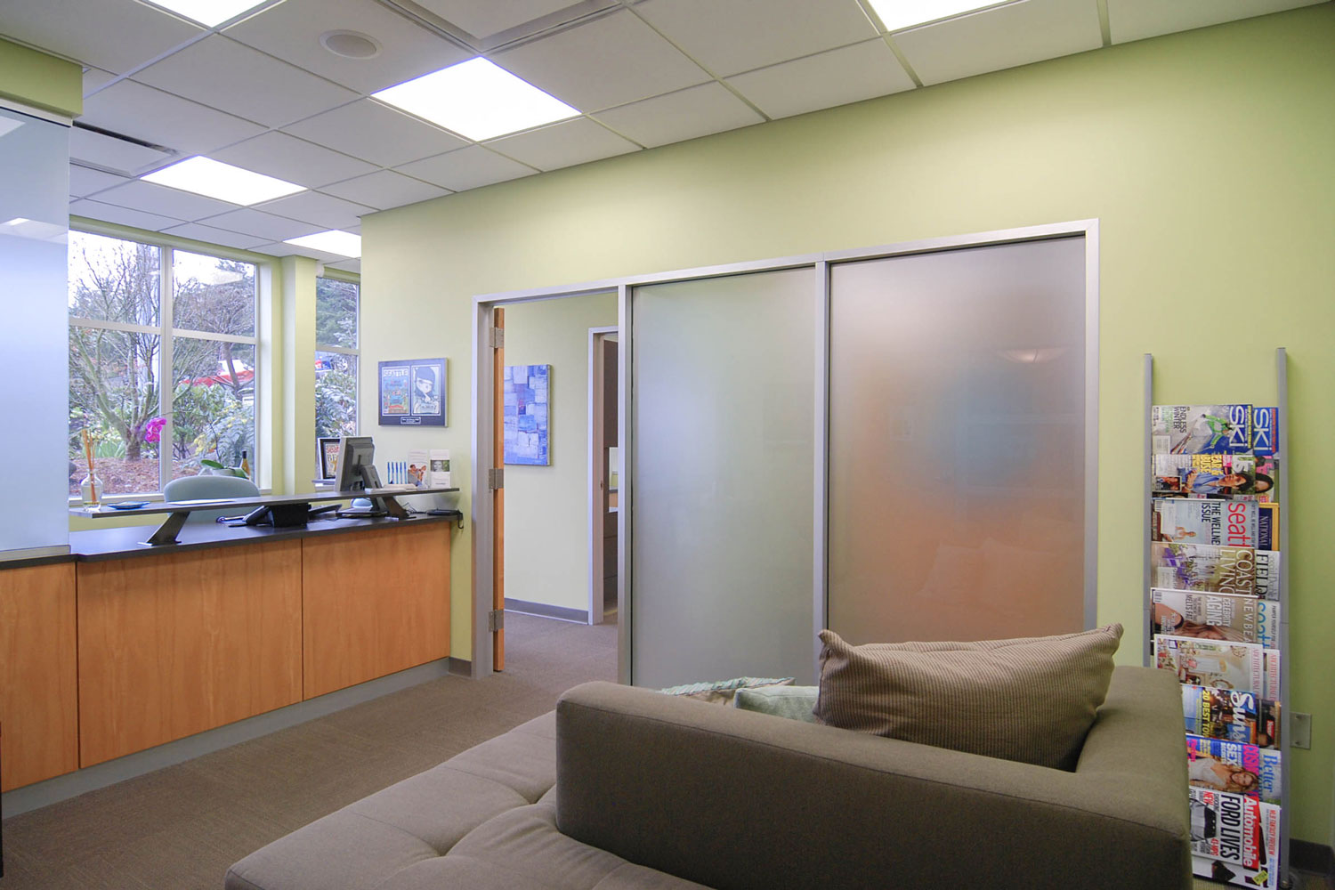 BUILD-LLC-Dentiste-Reception-01.jpg