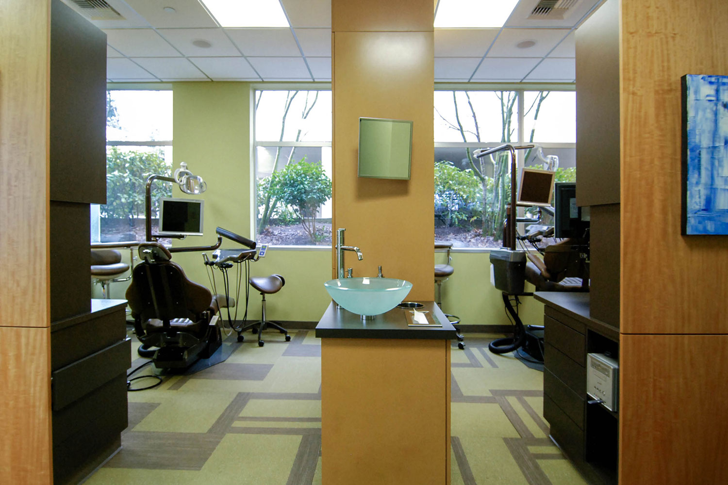 BUILD-LLC-Dentiste-Patient-Rooms-01.jpg