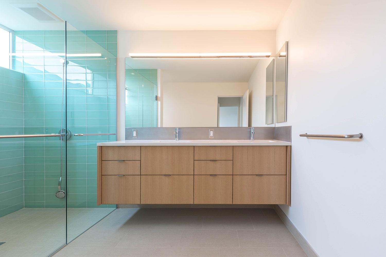BUILD-LLC-Pambianco-Int-Master-Bath-01#.jpg