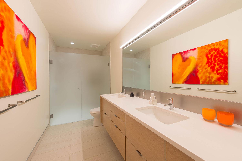 BUILD-LLC-CSH2016-Int-Master-Bath-02#.jpg