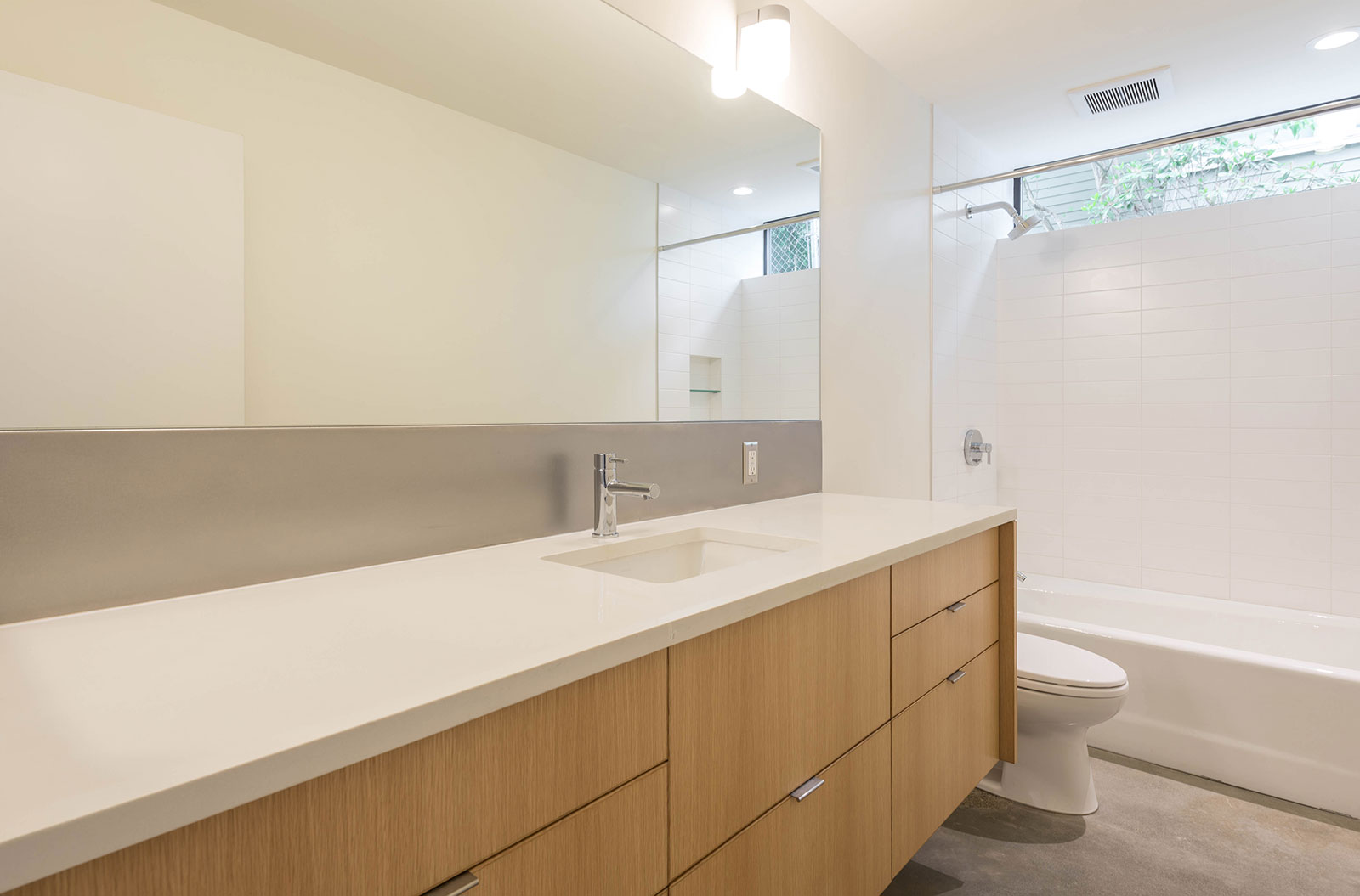 BUILD-LLC-Pambianco-Int-Bathroom-01#.jpg