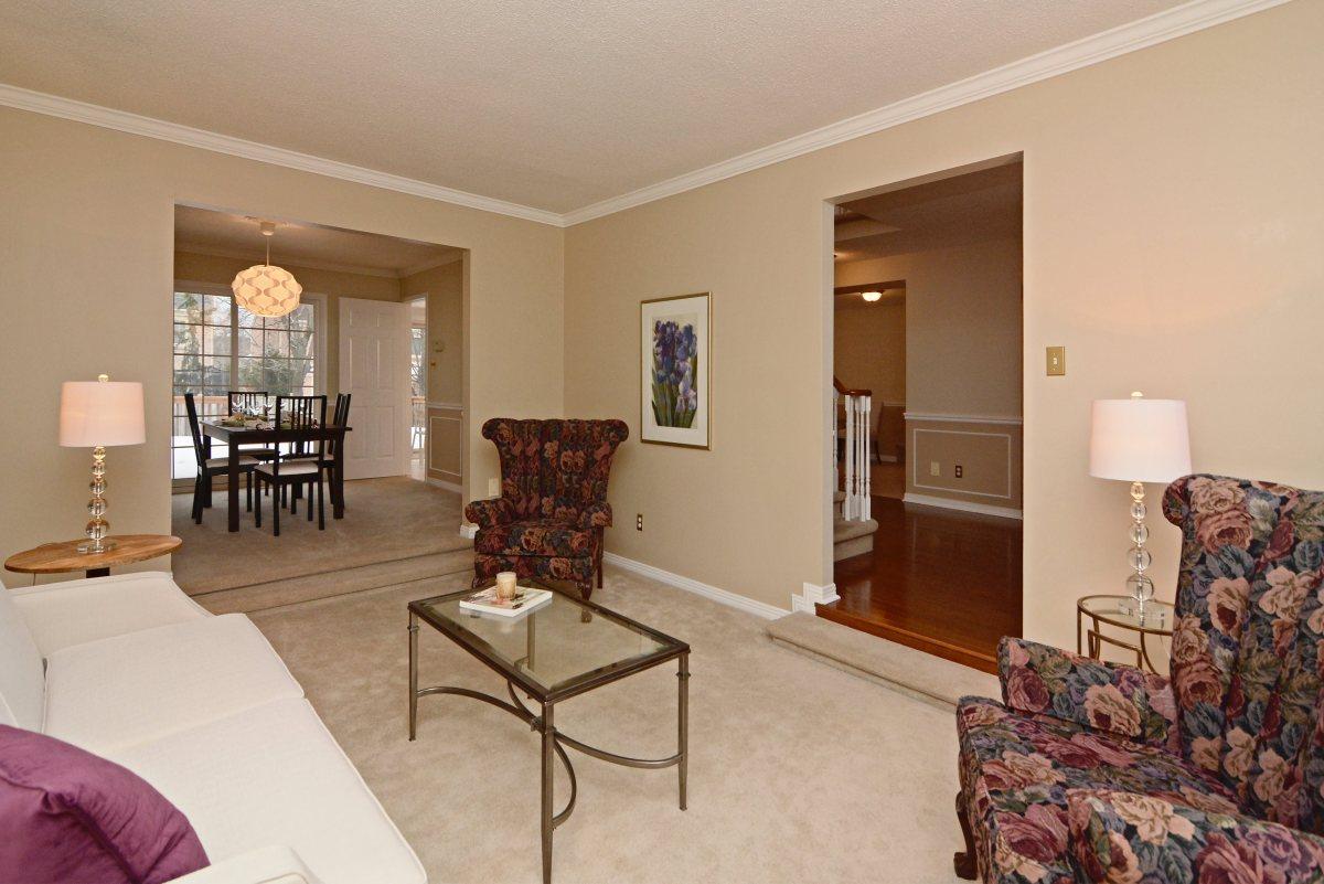 31_ferndell_circle_mls_hid791952_roomlivingdiningroom1.jpg