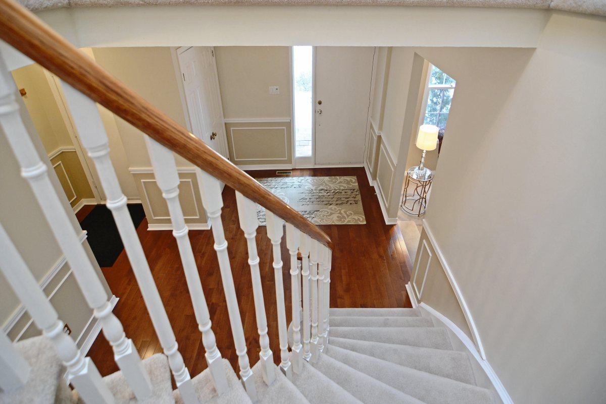 31_ferndell_circle_mls_hid791952_roomstairway1.jpg