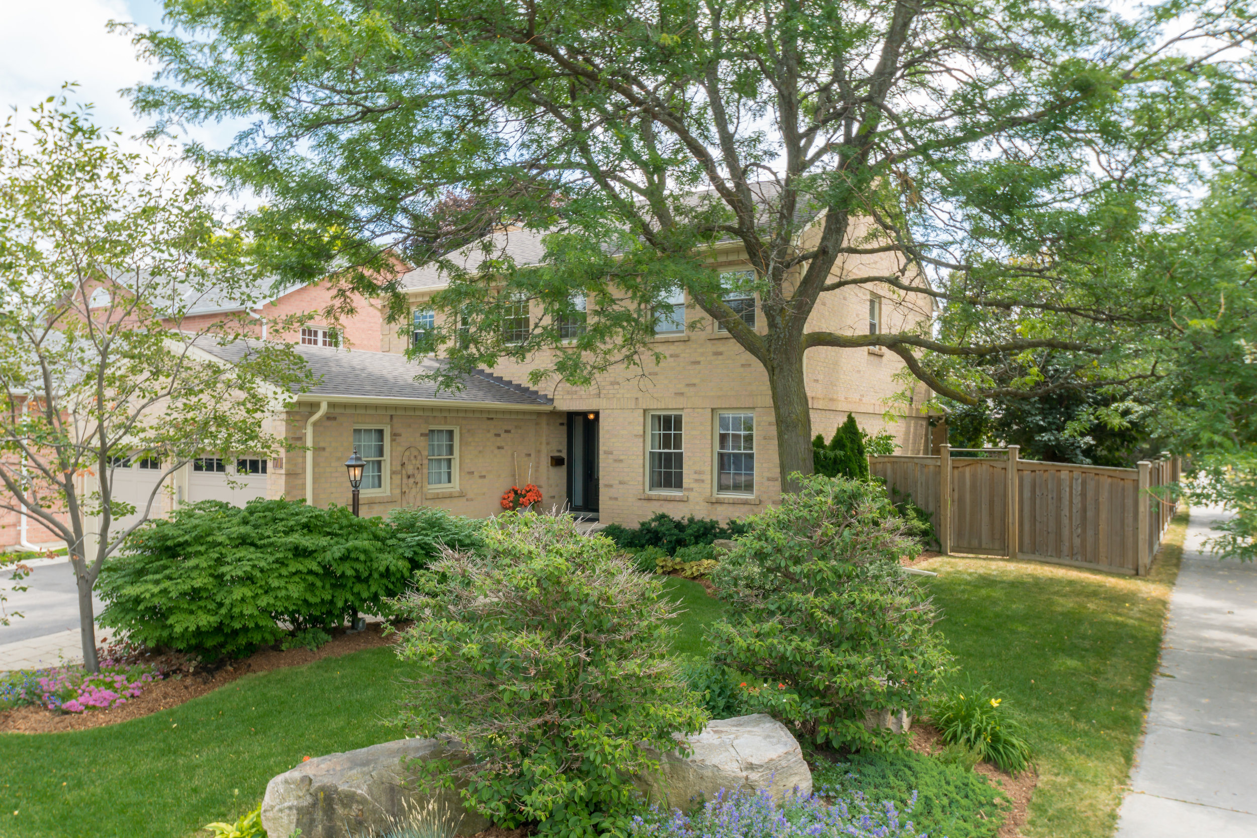 71 Longwater Chase - Unionville