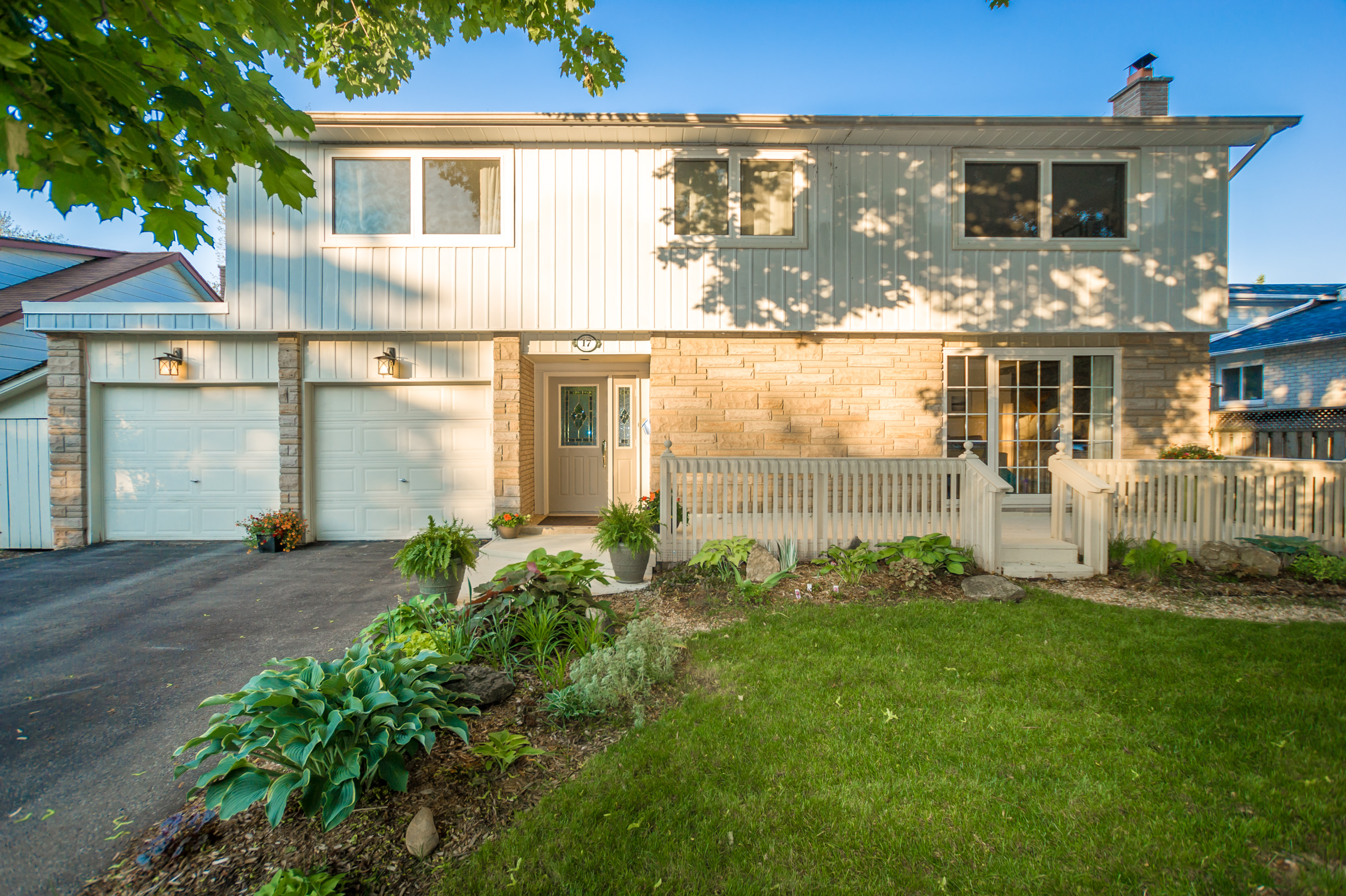 17 Emily Carr Creseent - Sold Over List!