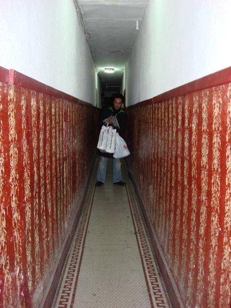 El pasillo de mi depa en Soho. Se acostumbra uno a creer que vives en película de Kubrick.
