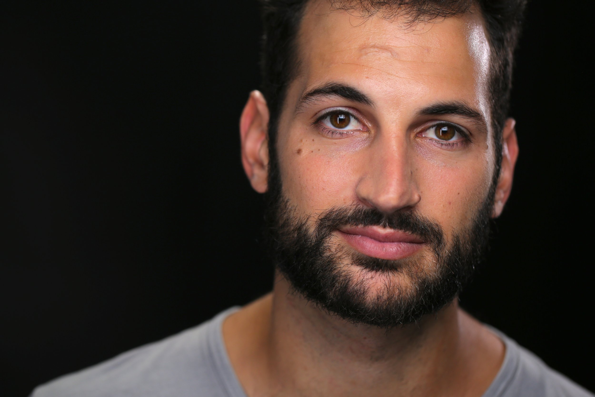 """Noam Harary    Dale   Noam is an actor residing in both NY and LA. Most recently on House of Cards (Netflix), and Madam Secretary (CBS). Other credits: Soon By You (Z, Dir. Leah Gottfried), Living Will (Matt, Lionsgate), Smokd (Dir. Tamika Miller) and is currently in Israel researching a role for an upcoming film, """"Canada"""".    www.noamharary.com"""
