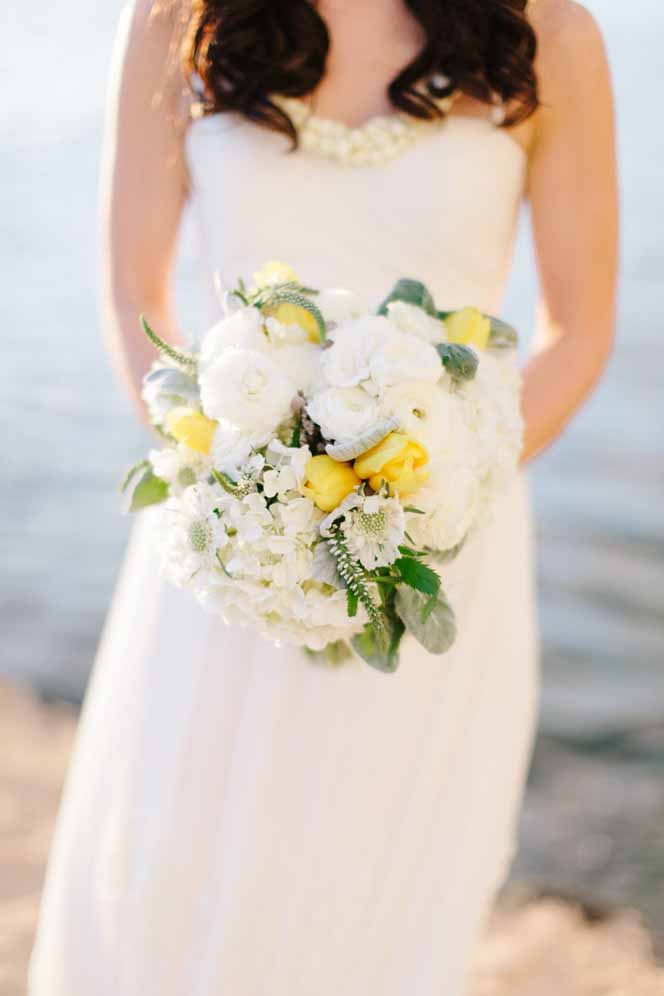 soft, romantic yellow and white bouquet by Passion Roots | Chris Simons Photography | Oahu, Hawaii