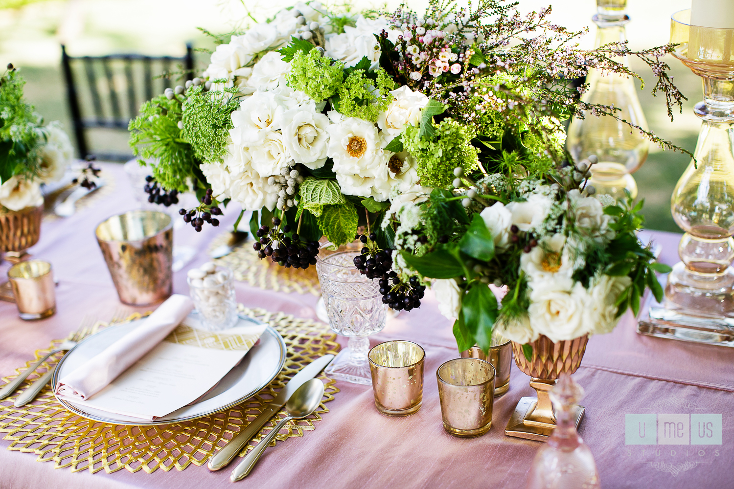 gatsby-esque centerpiece / floral design by passion roots / U Me Us photography