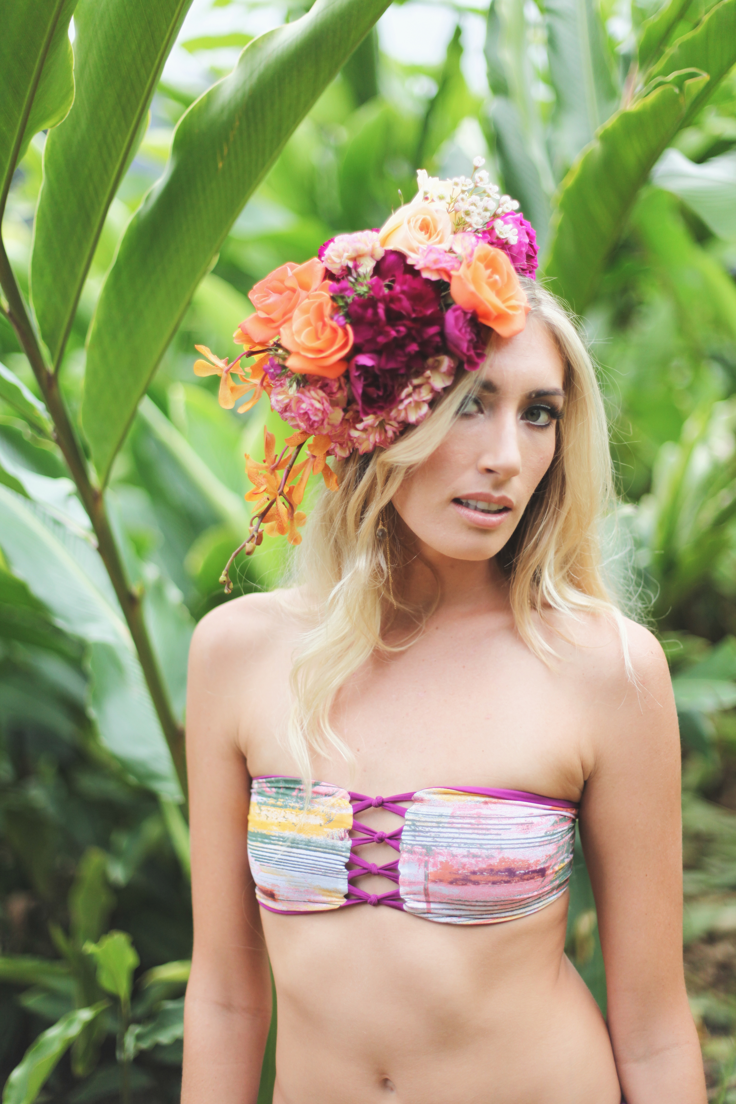 tropical hair piece by Passion Roots | Taryn Kealani Photograhy | Oahu, Hawaii