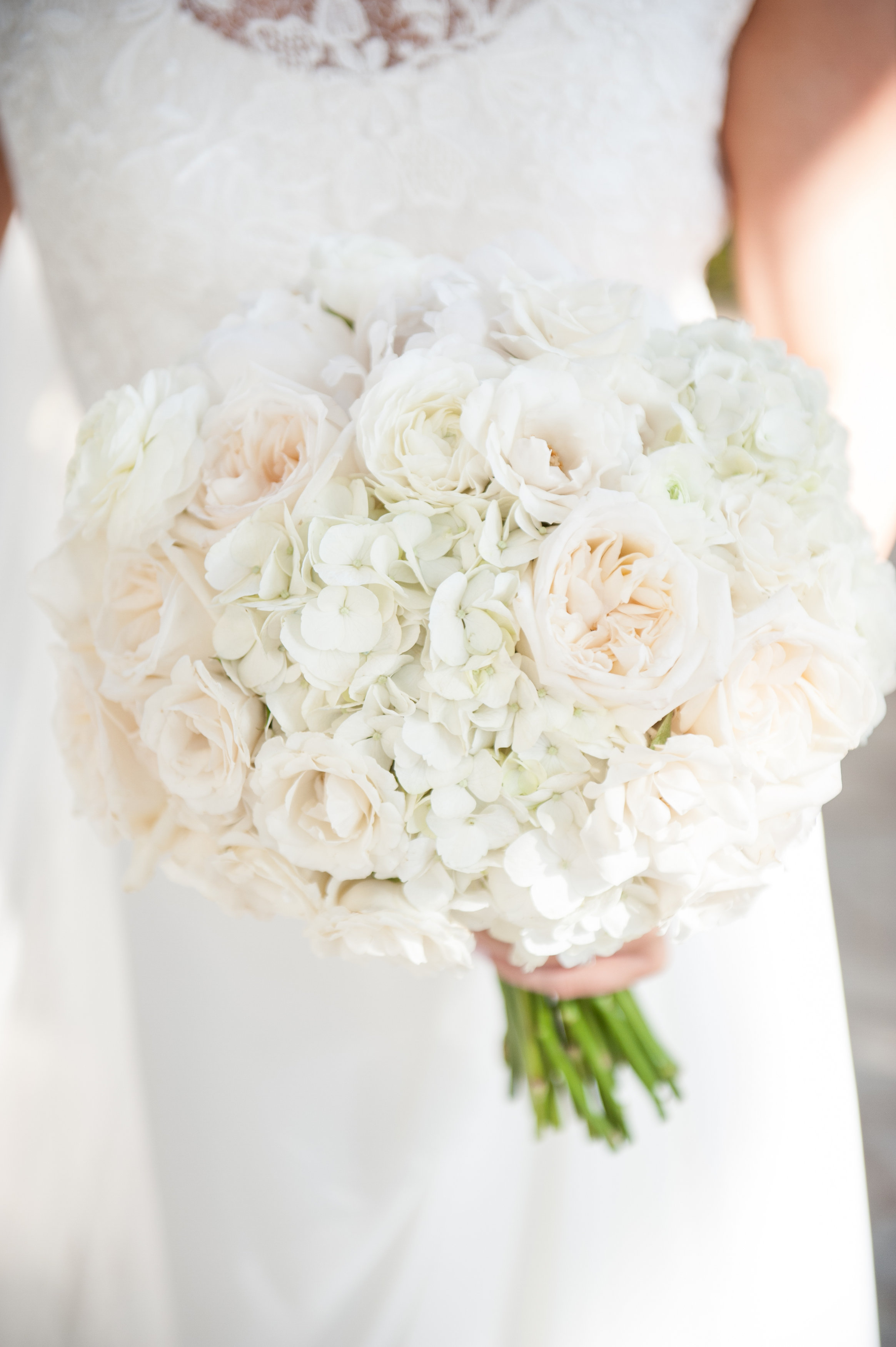 bouquet florals by Passion Roots | Rachel Robertson Photography | Oahu, Hawaii