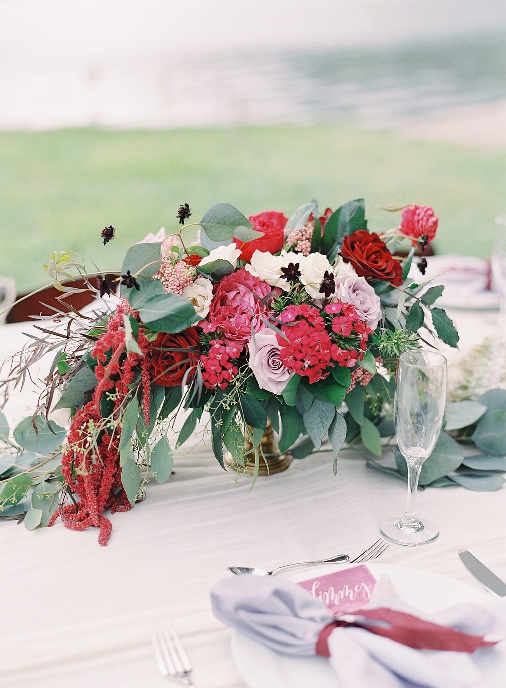 berry and wine colored centerpiece by Passion Roots | The Great Romance Photography | Oahu, Hawaii
