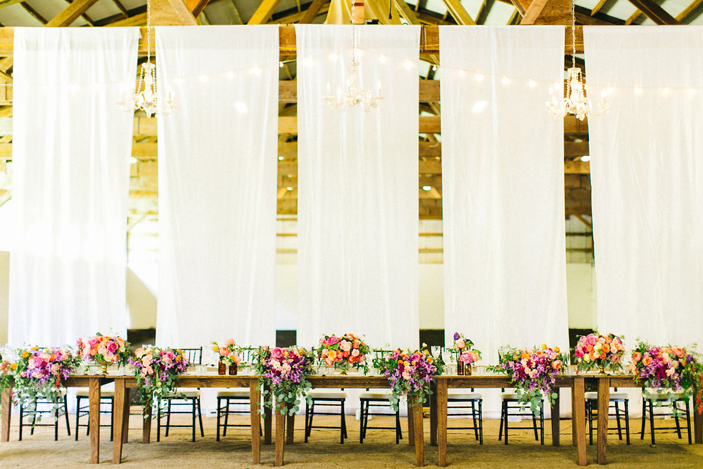 Lush Head Table by Passion Roots | Lehua Noelle Photography | Oahu, Hawaii