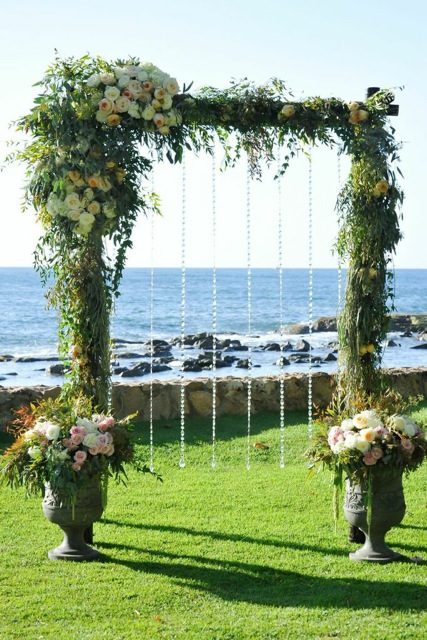 Asymmetrical Foliage and Flower Arbor by Passion Roots | Eric Rhodes Photography | Oahu, Hawaii