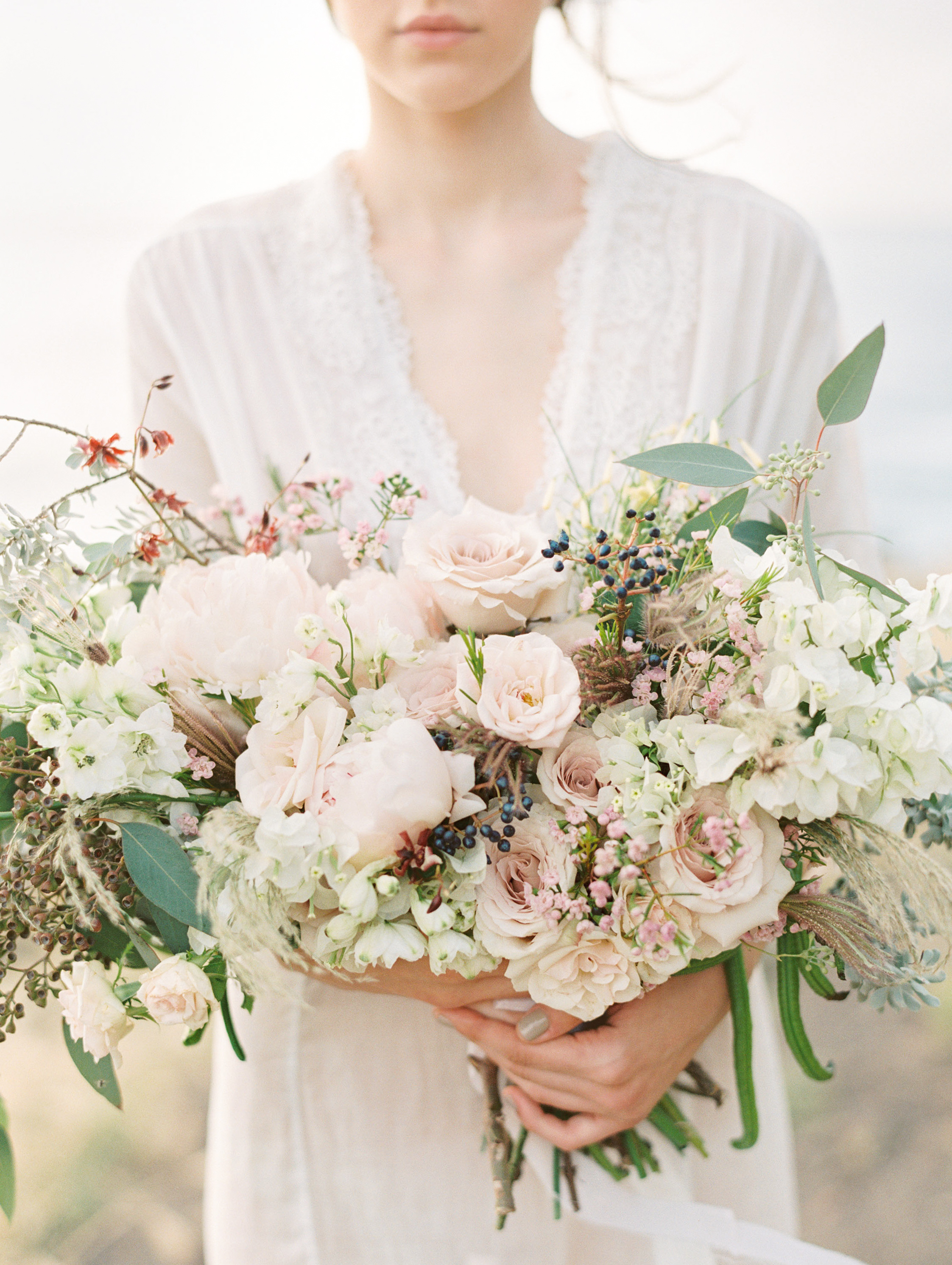 bouquet florals by Passion Roots | Christine Clark Photography | Oahu, Hawaii