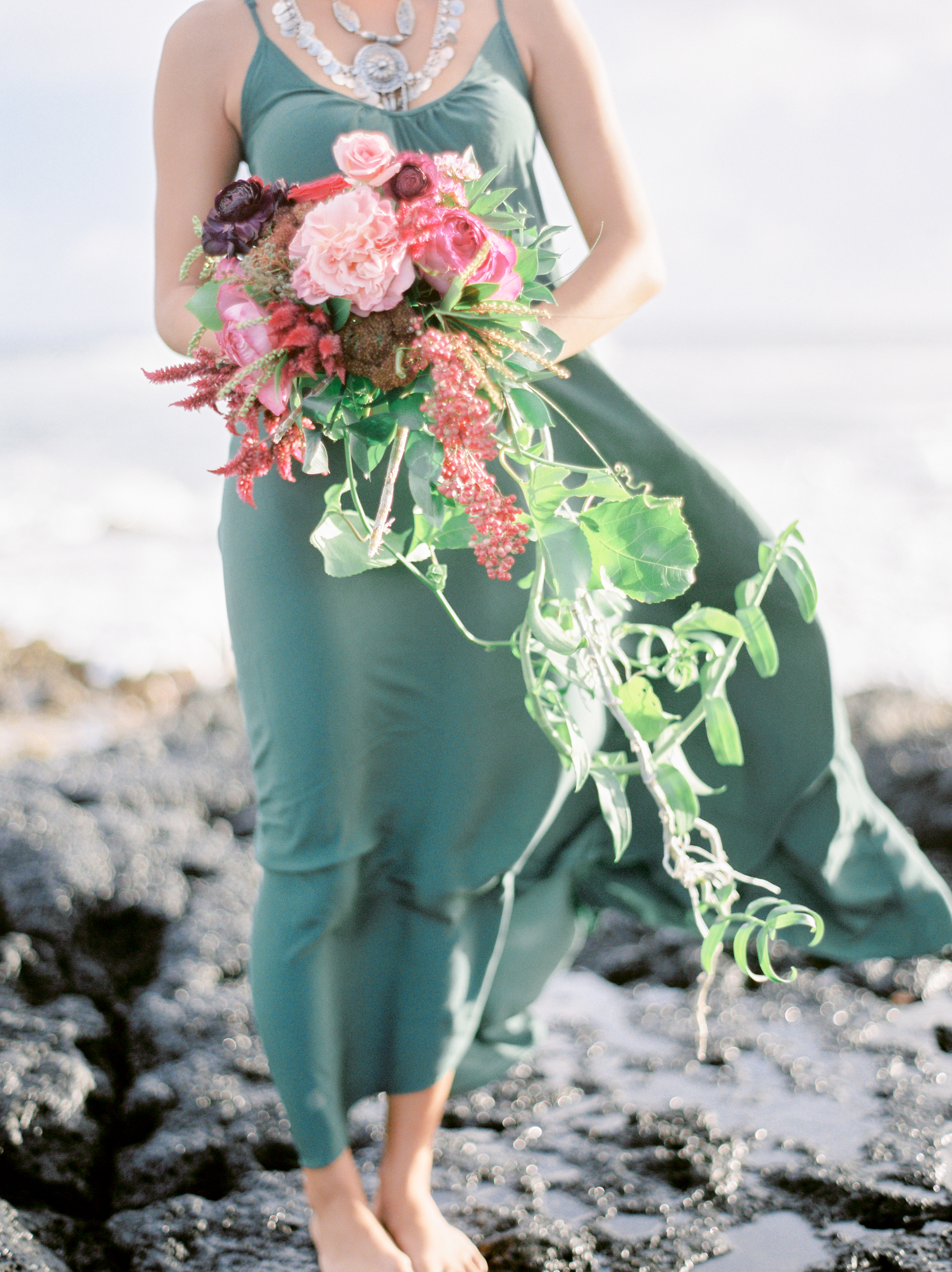 bouquet florals by Passion Roots | Coco Tran Photography | Oahu, Hawaii