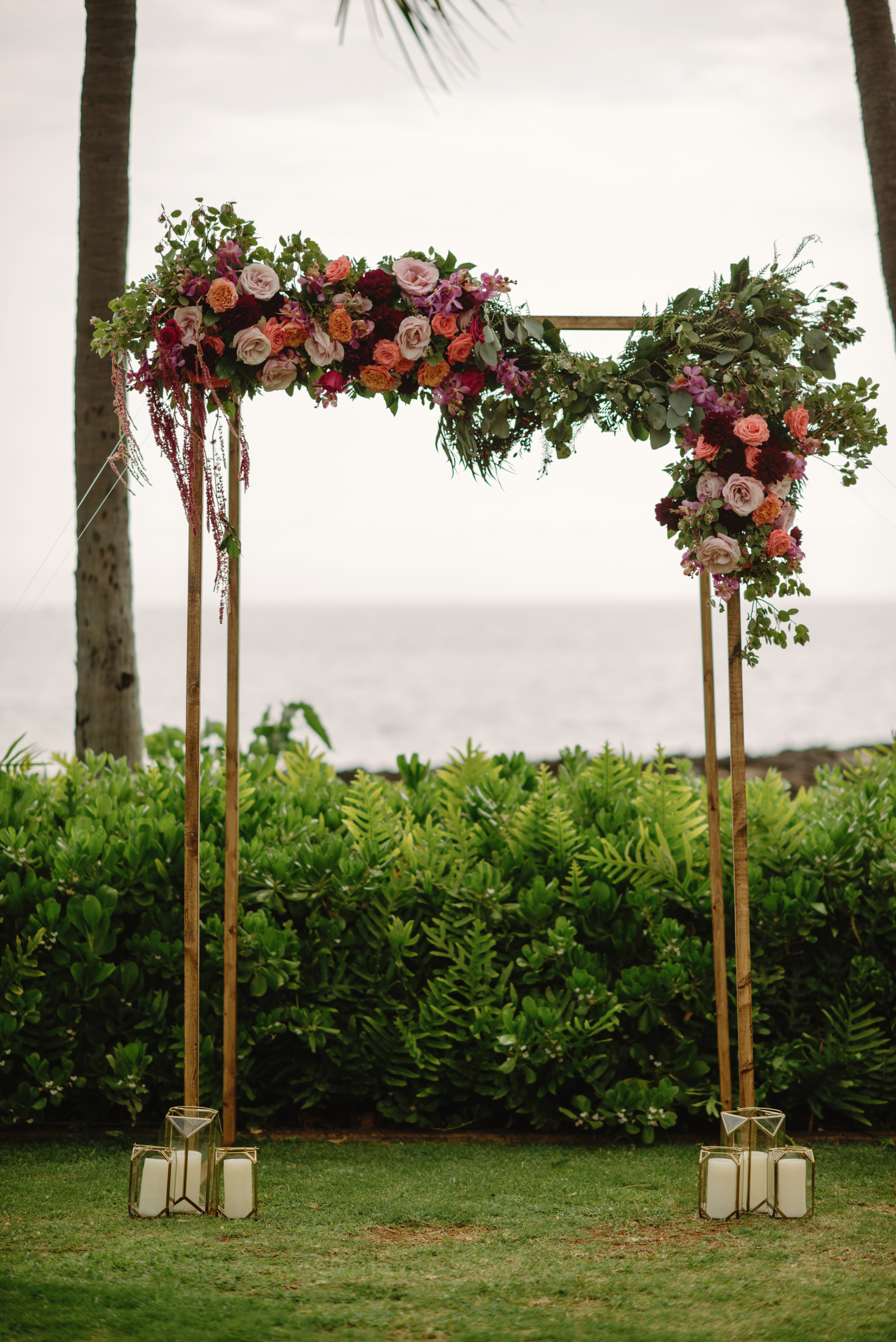 Asymmetrical Arch  Florals by Passion Roots | June Photography | Oahu, Hawaii