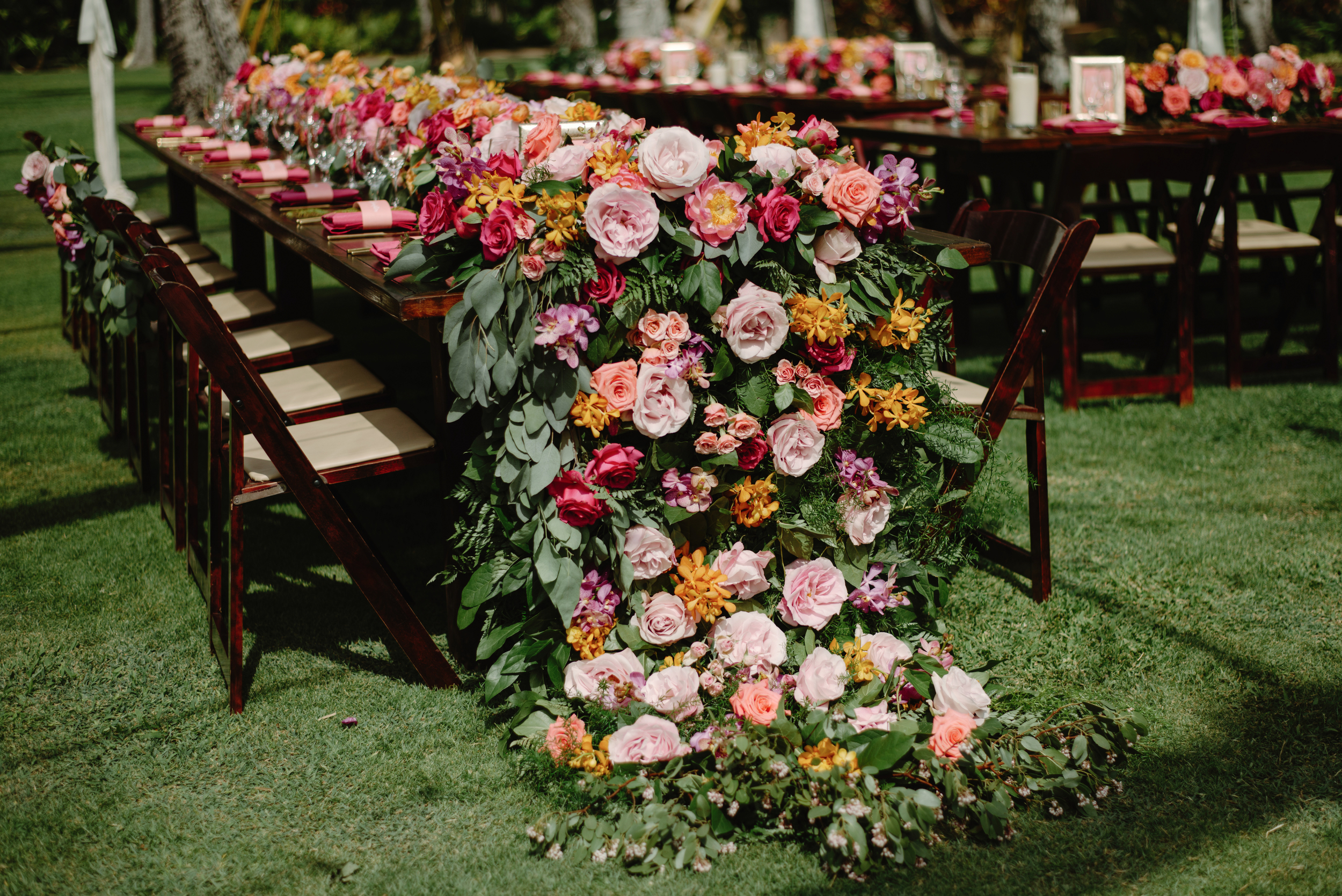 Table Floral Skirt Florals by Passion Roots | June Photography | Oahu, Hawaii