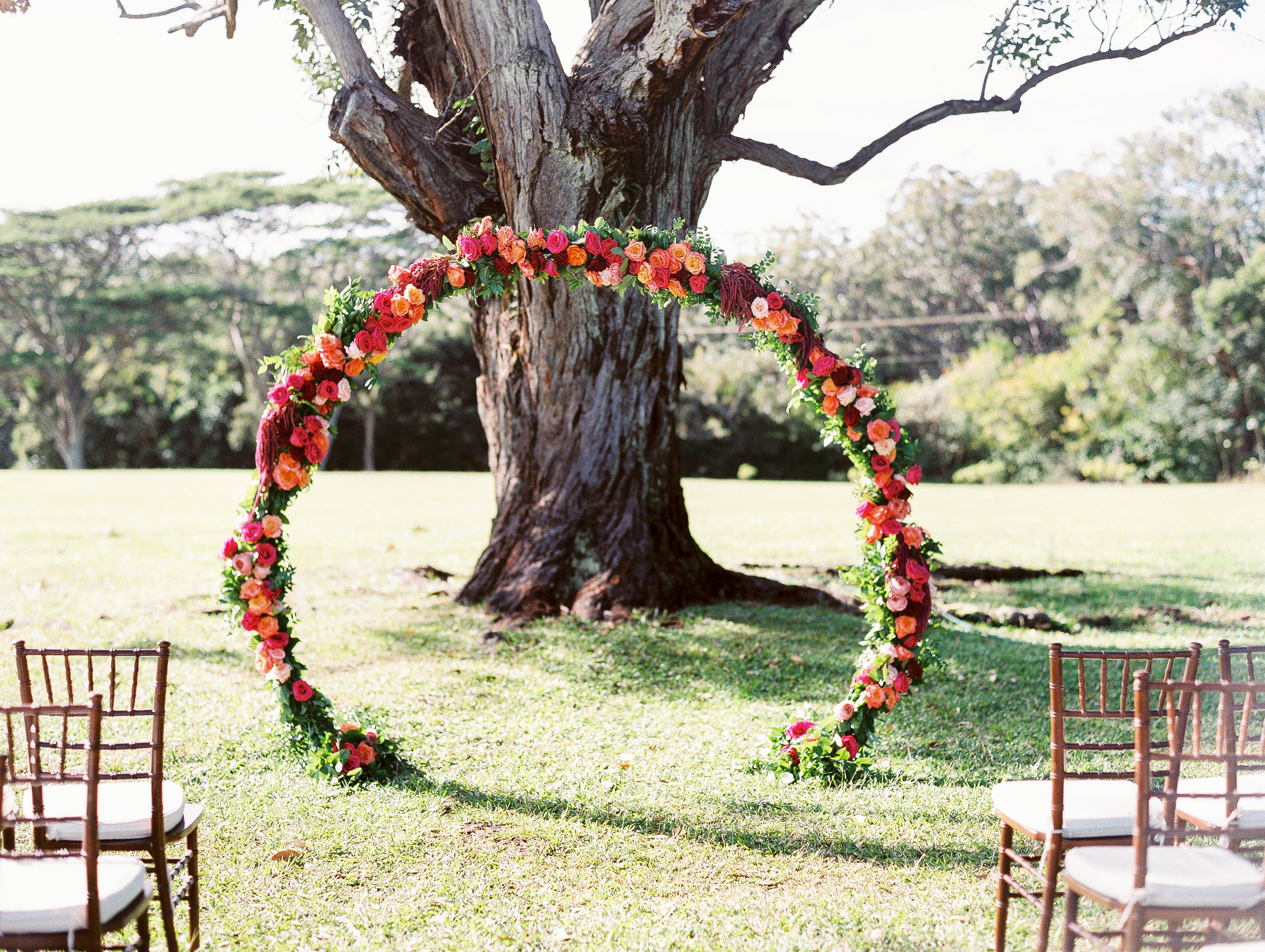 Ceremony Floral Design by Passion Roots | Photography by Ashley Goodwin Photography | Oahu, Hawaii