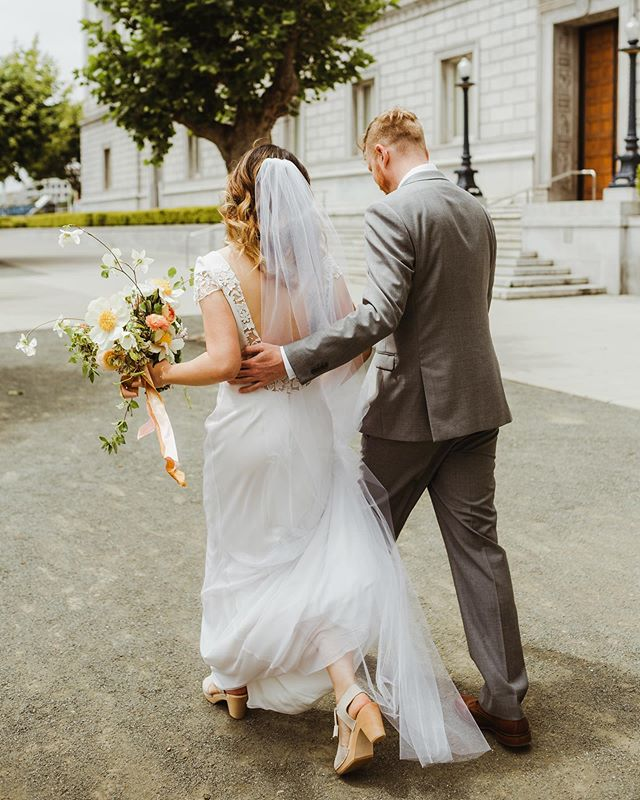 There's something about walking to your own wedding...⁣ ⁣ ⁣ Planning & Design- @blushingjoyevents ⁣ Florist- @marigold_sf