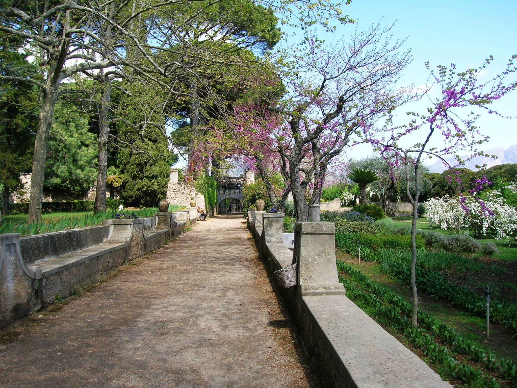 Villa_Cimbrone_Ravello by Mentnafunangann.JPG