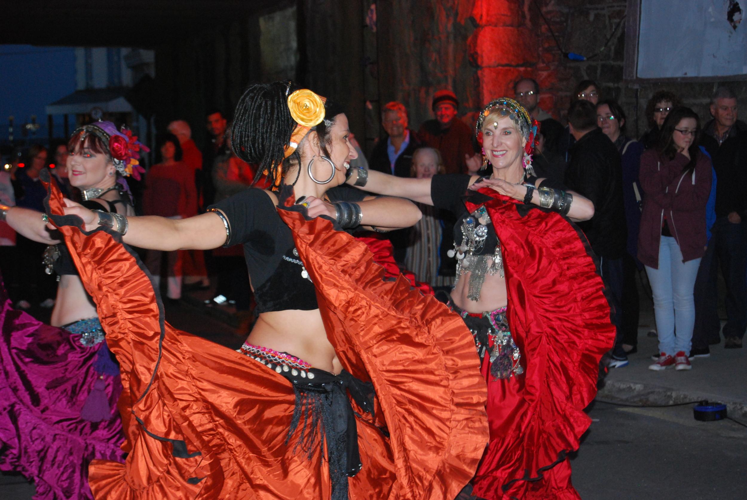 Dancers (2).jpg