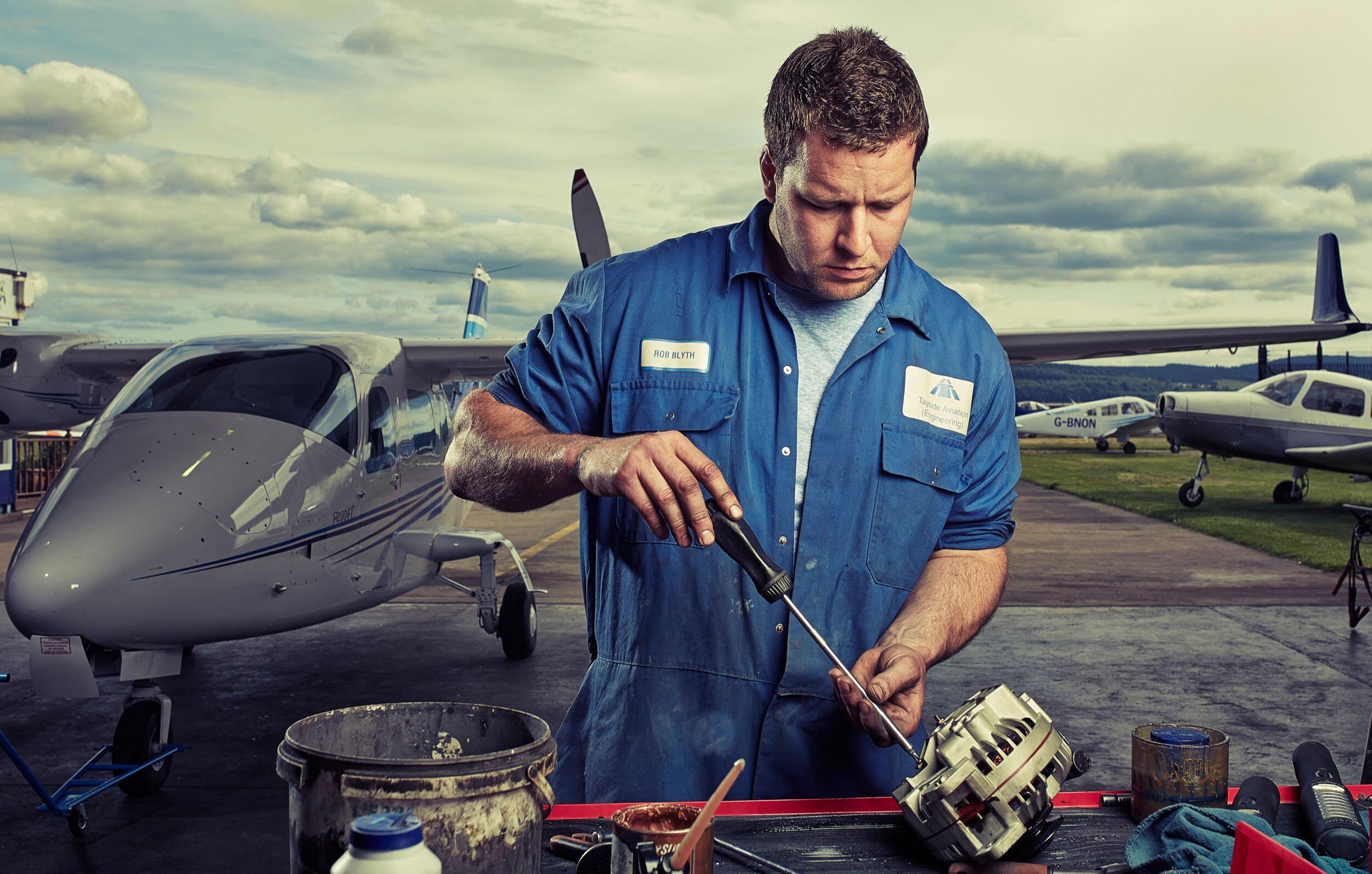 Web slideshow - Aviation mechanic.jpg