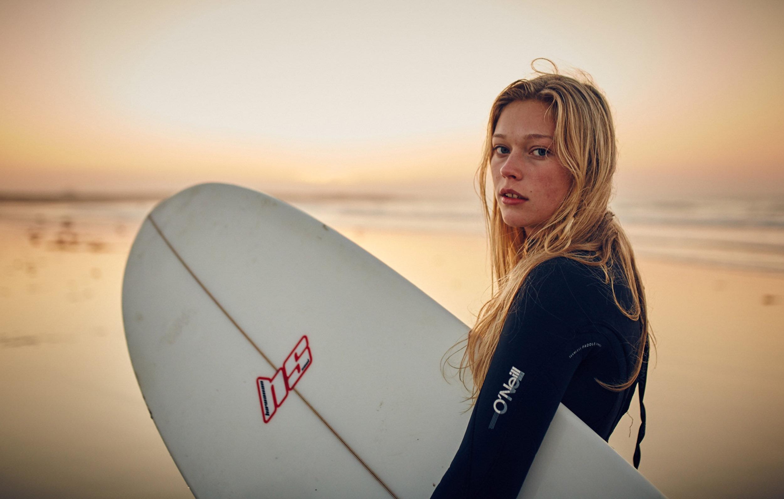 Web slideshow - Surfing Girl Glancing.jpg