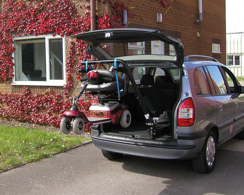 disabled-vehicle-adaptation-telescopic-4.jpg