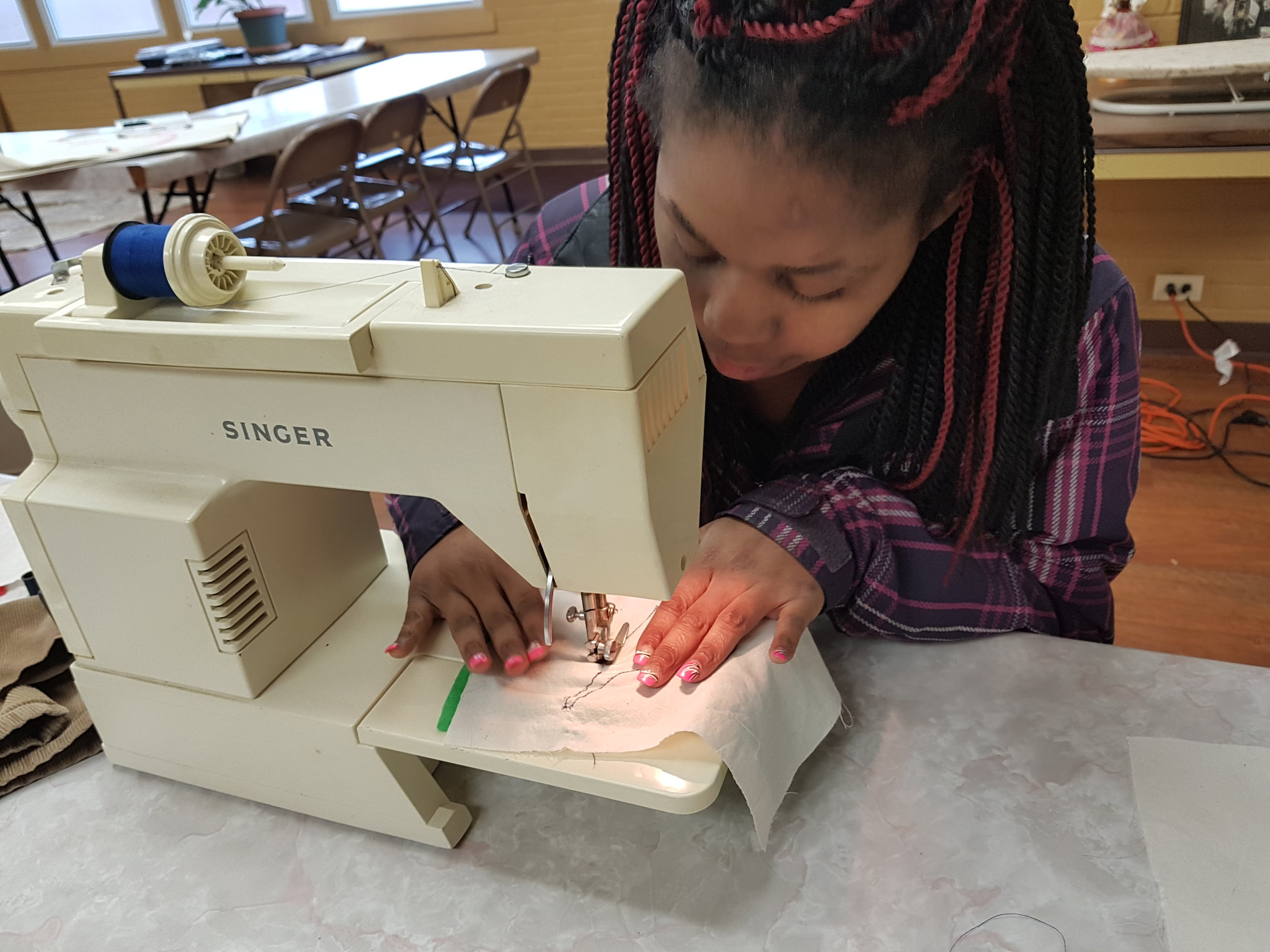 SewingMachine4.jpg