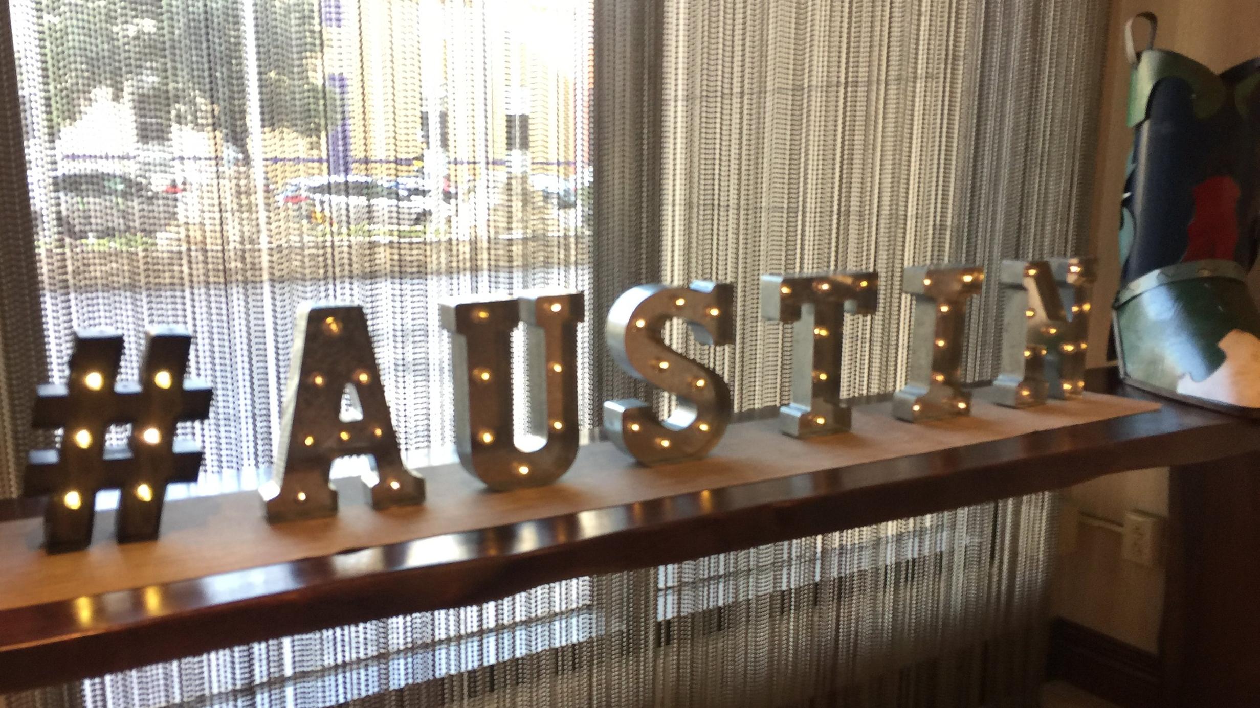 2018-07-04 Austin decoration at hotel.JPG