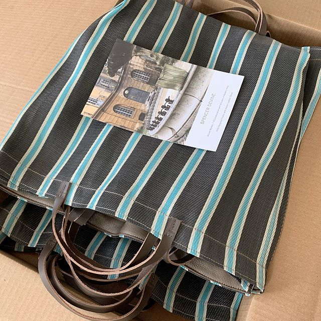 This black and blue stripe #assamcapsule market bag colorway sold out in a second. The last batch of them will soon be available at Bungalow by @fig_ojai 💫