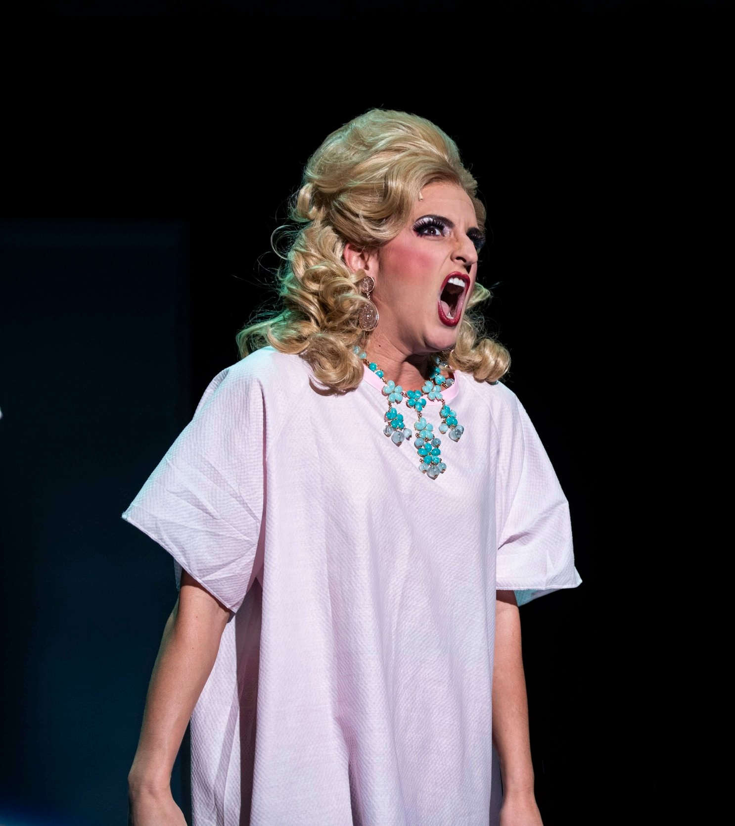 Matilda, Lisa Karlin as Mrs. Wormwood